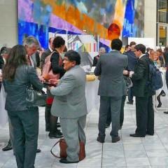 Auf der Bildmitte Rómulo Mucho, Vorsitzender des Instituts für Bergbauingenieure von Peru, auf der Lateinamerika Konferenz in Berlin 2013. Bildquelle: peru-econ.de