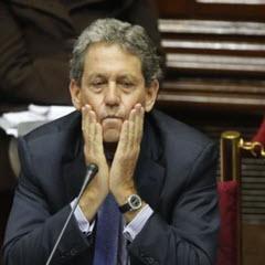 Finanzminister Alfredo Thorne steht unter Beschuss, © Foto El Comercio
